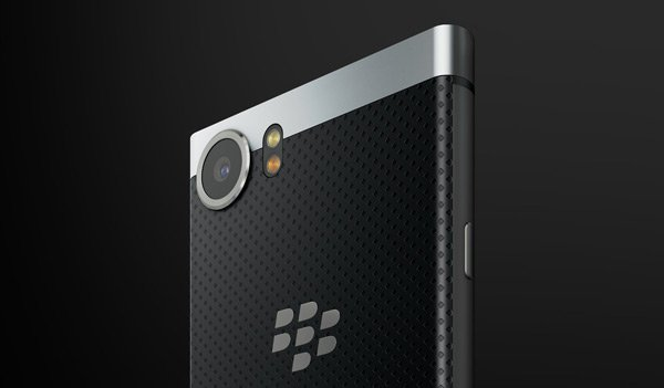 Google raadt wegens security BlackBerry KEYone en BlackBerry Motion aan