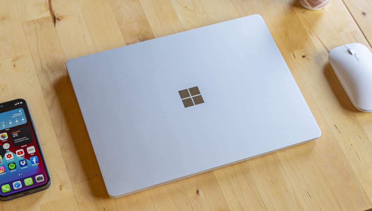 Microsoft Surface Go review klep