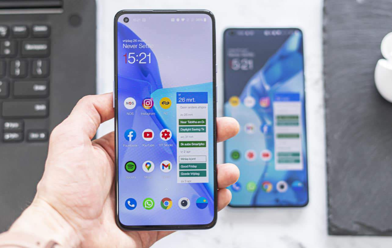 OnePlus 9 review in hand