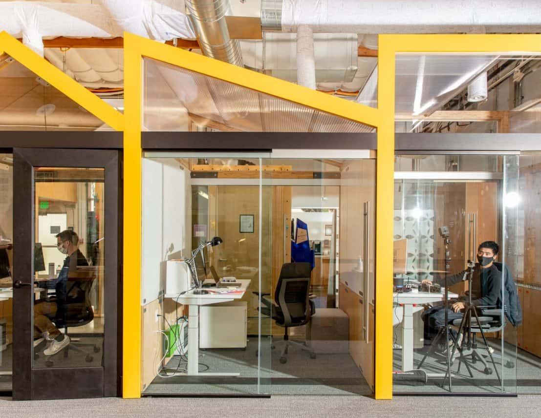Google past zijn kantoren aan op werken na corona