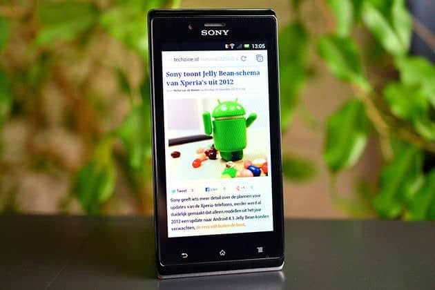 Review: Sony Xperia J